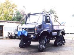 mercedes-unimog-with-rubber-tracks.jpg