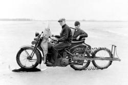 Oscar bak tracked motorcycle