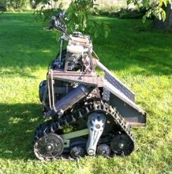 Personal tracked trakar