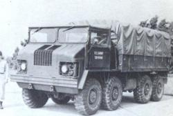 reo-xm453e3-8x8-amphibious-1960.jpg