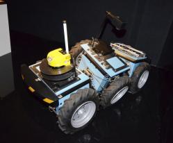 roburoc-6-6x6-robot-2007.jpg