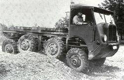 saurer-m8-8x8-2.jpg