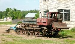 tracked-tractor-on-rcforum-ru.jpg