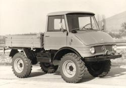 Unimog 421.122 U40 open cab and 421.123 closed cab, 1967
