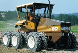 valmet-1502-6x6-prototype.jpg
