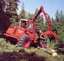 valmet-882k-harvester.jpg