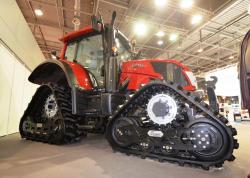 valtra-tractor-with-soucy-tracks.jpg