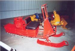 vintage-snowmobile-in-pioneer-museum-nebraska.jpg