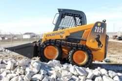 Wheeled loader mustang with prowler tracks