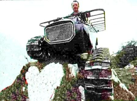 Camoscio tracked Vehicle on cover of Off-Road 1978