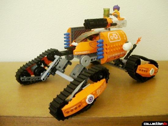 Off-road vehicle in LEGO