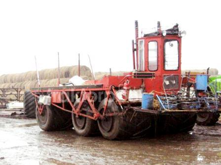Seiga 6x6 for reed harvester