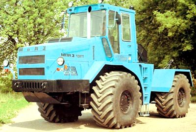 MoAZ-49011 tractor