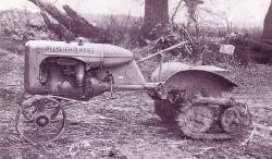orchard-allis-chalmers-model-b-on-experimental-roadless-tracks-1946.jpg